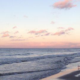 Панорамный пейзаж — закат на море
