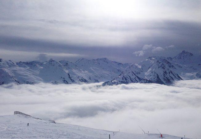 Туманное одеяло в Альпах