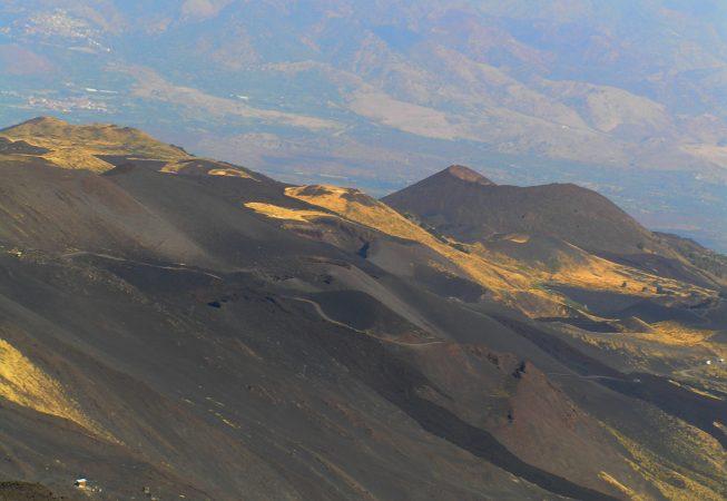 Вулкан Этна - вид с южного кратера