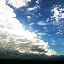 Перистые облака в мае