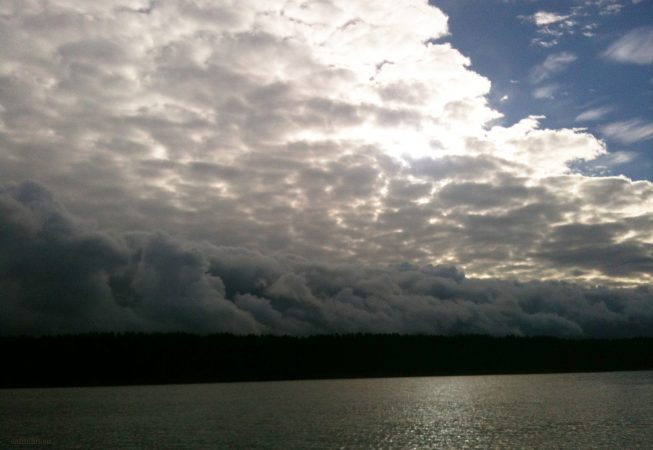 Перистые облака в мае - Юрмала