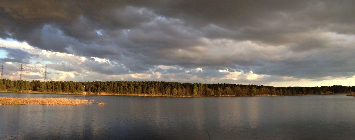 Речной пейзаж рыбалка весна Лиелупе дождь Альберт Сафиуллин