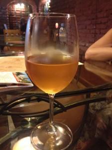 Грузинское вино Мцване квеври
