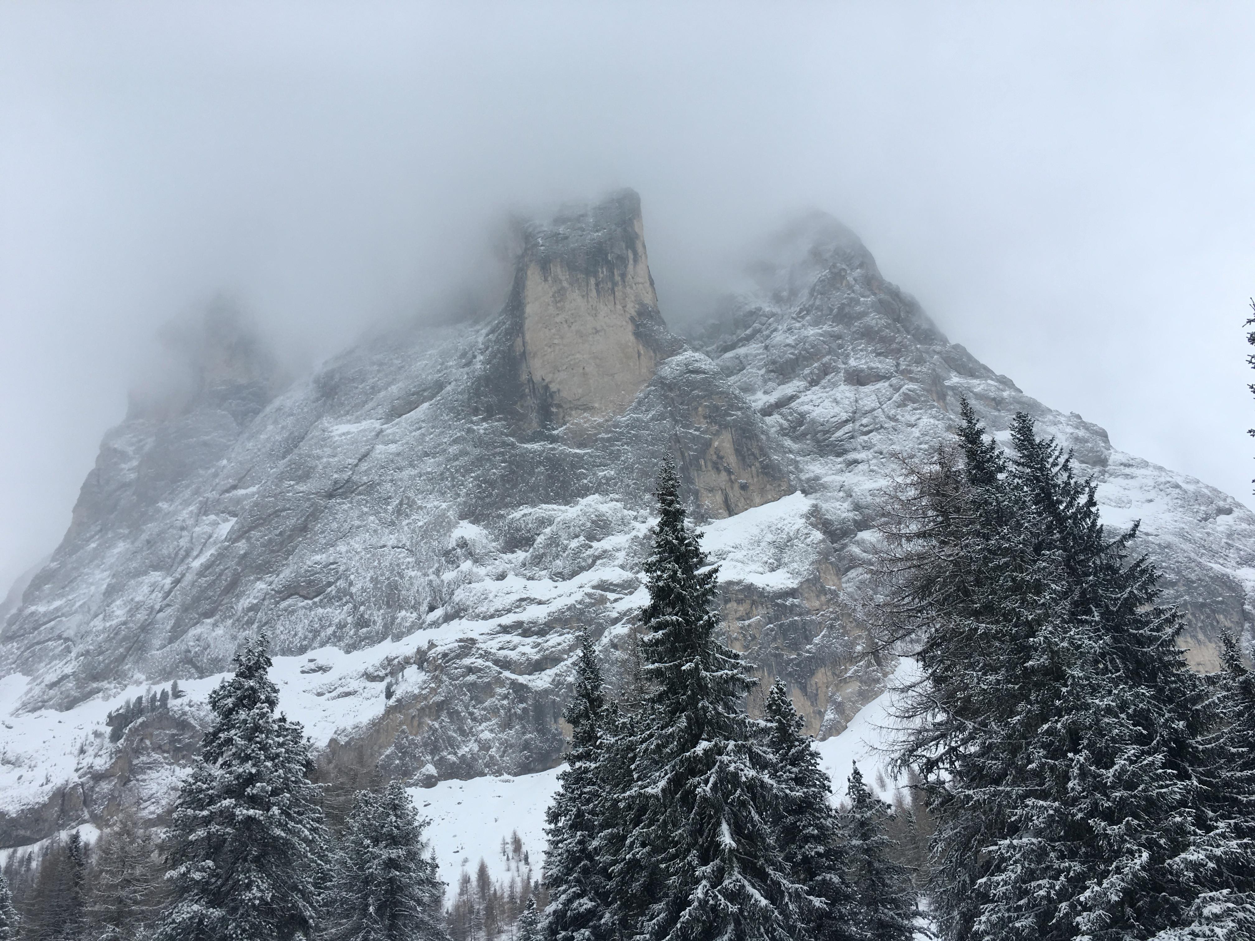Гора Сассолунго Sassolungo Доломиты горный пейзаж Альберт Сафиуллин