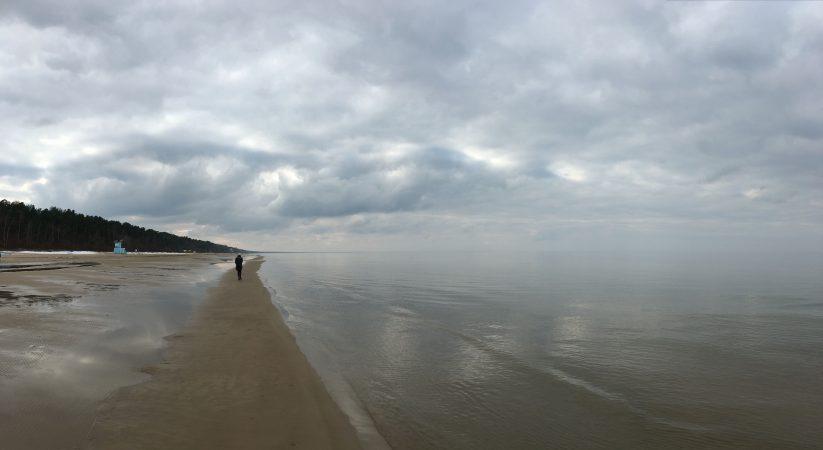 Морской пейзаж в марте. Юрмала. Штиль.