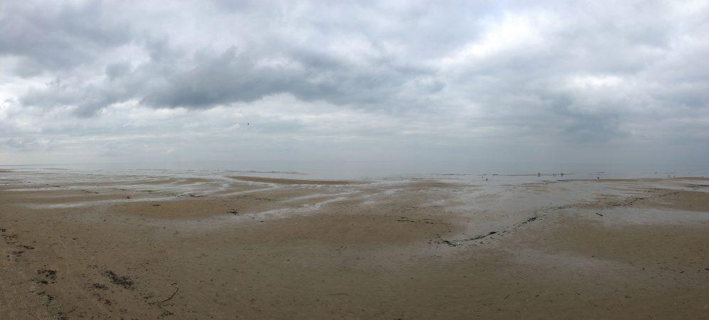 Морской пейзаж в марте. Юрмала. Штиль. Туман.