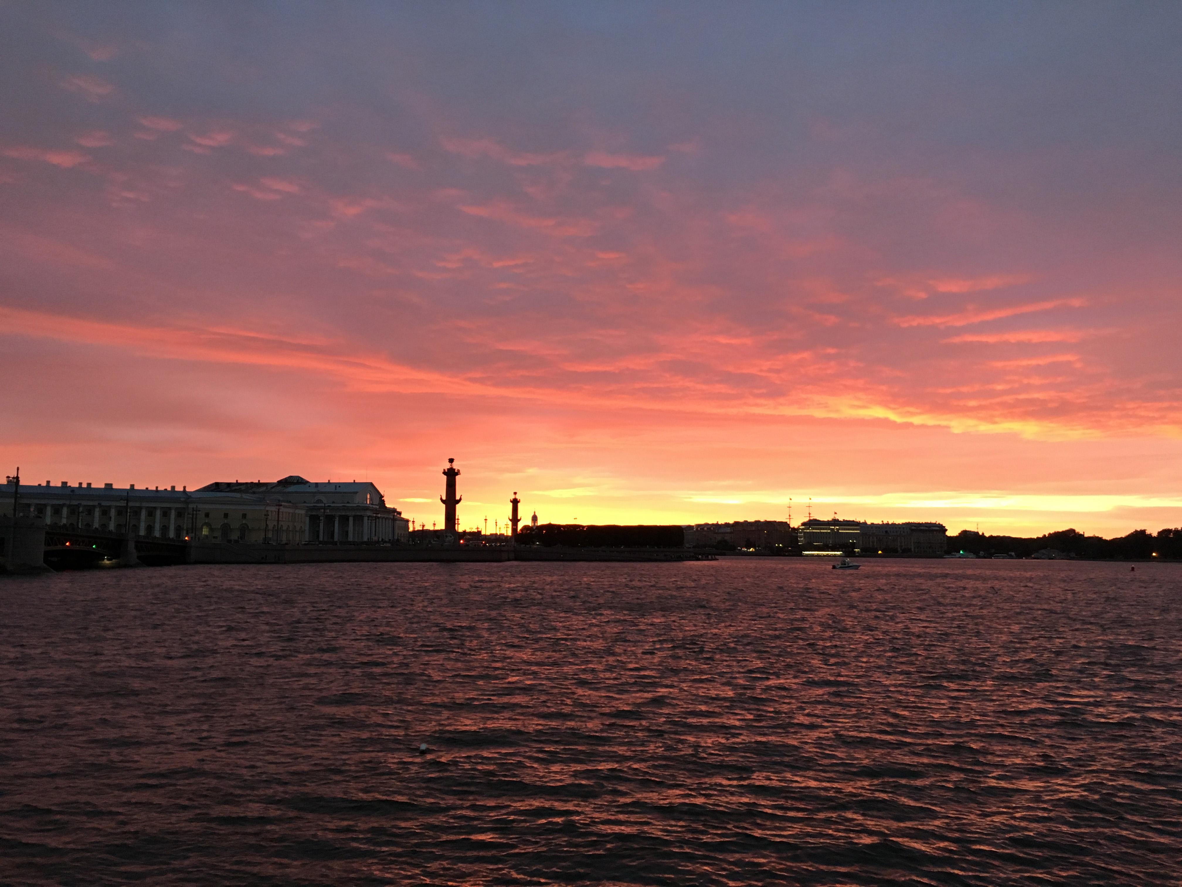 Закат солнца летний городской пейзаж белые ночи Петербург художник Альберт Сафиуллин