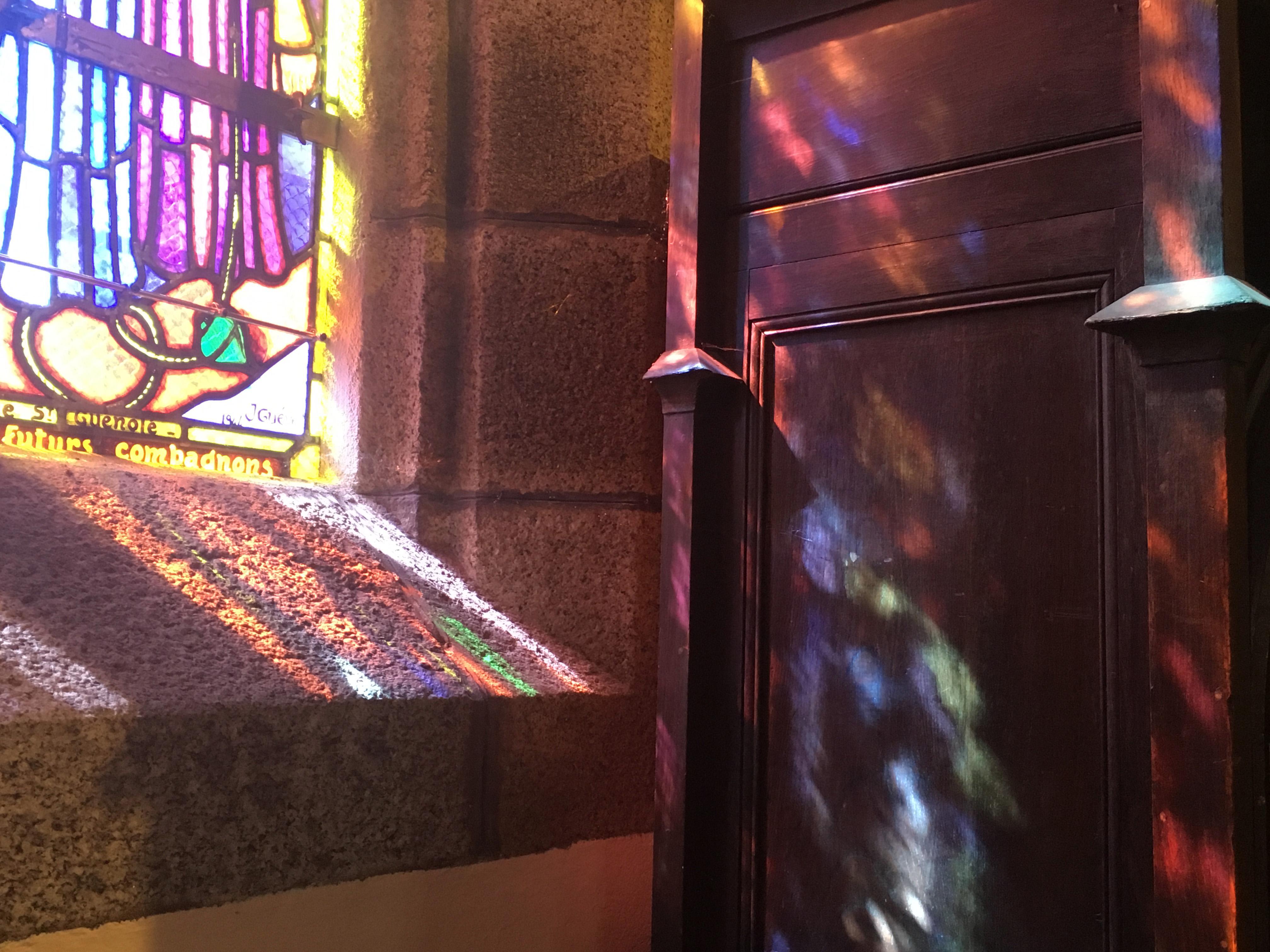 Солнечные витражи церковь Понт-Авен Бретань Eglise Saint-Joseph de Pont-Aven цвета и краски природы Альберт Сафиуллин